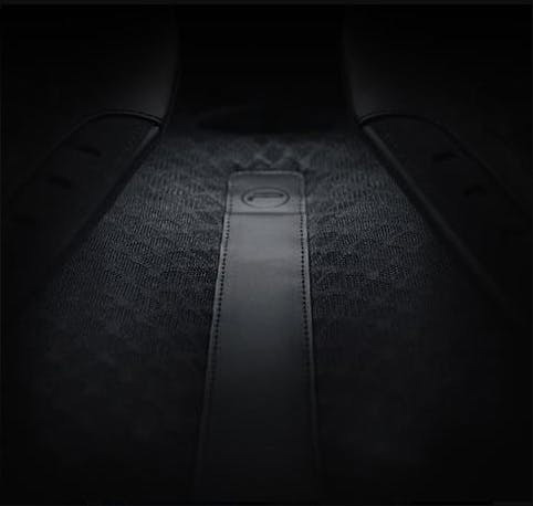 「AirFiber」バックパネルによる、通気性があり快適な背負心地