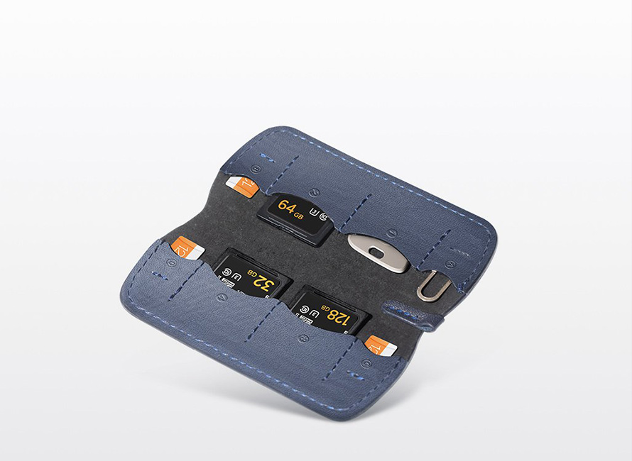 PGYTECH (ピージーワイテック) | メモリーカードウォレット  | SDカードサイズ4枚・microSDカードサイズ4枚の合計8枚のカードの収納が可能