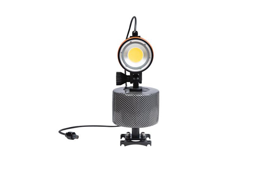 CHASING LEDダイビングビデオライト   米国製LEDを採用し、品質と耐久性を向上
