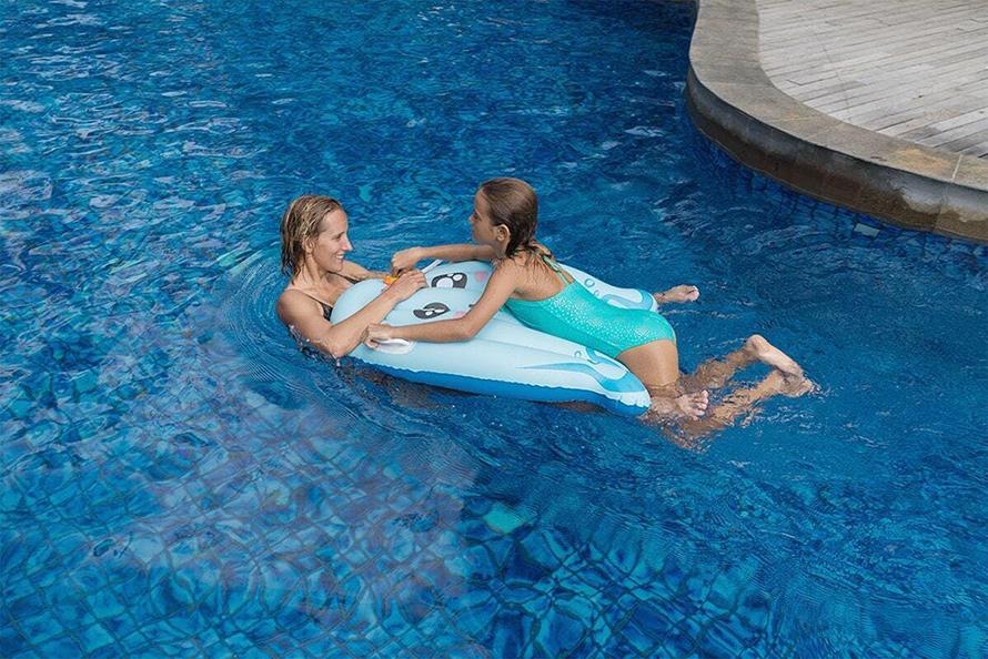 SUBLUE WhiteShark MixPro 水中スクーター | 泳ぐのが大好きな子どものための、空気で膨らますフロータープレートです。