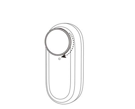 Insta360 GO 2 レンズ保護フィルター   レンズ保護フィルターを時計回りに ねじ込んでレンズに固定します。