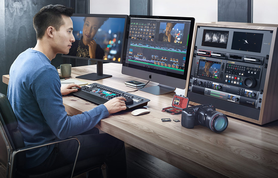 Blackmagic Pocket Cinema Camera 4K | DaVinci Resolve Studioを同梱