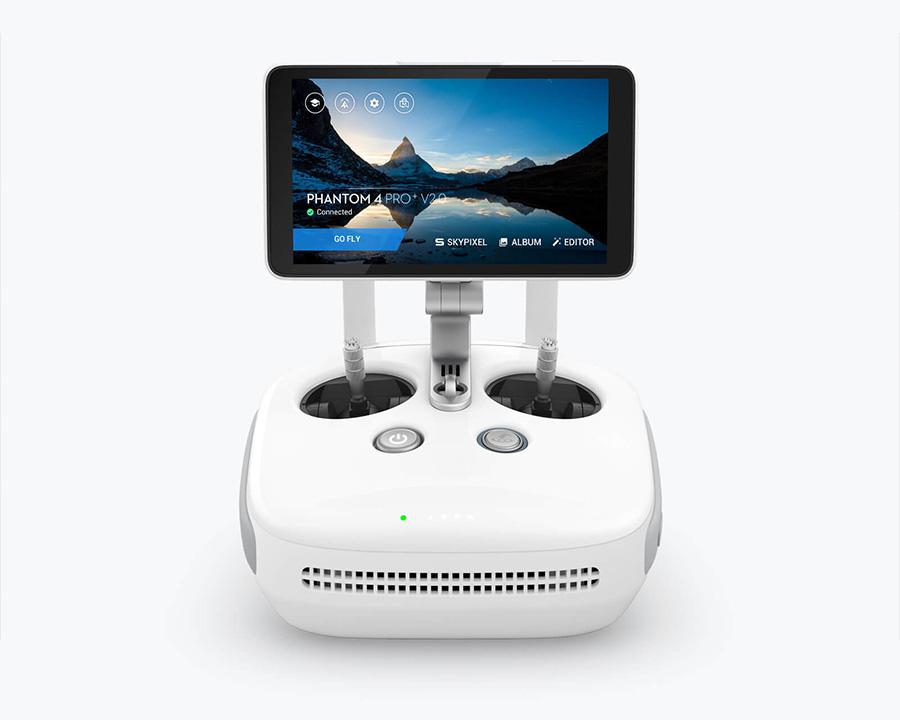 DJI PHANTOM 4 PRO V2.0 | 一体型ディスプレイ付きOcuSync送信機
